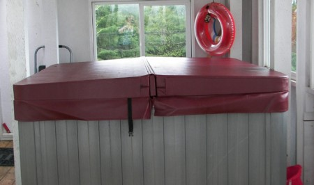 "Thickest Hot Tub Covers: 6""-4"" Tapered with 1.0# (R23.85-R37)"