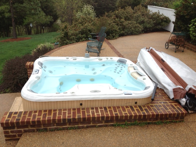 Hot tub fit to available spaces